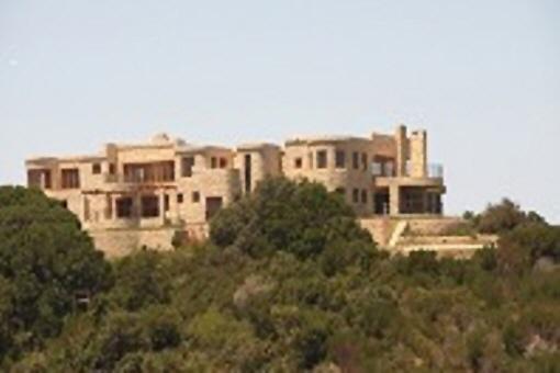 Besonders adrette Villa auf dem höchsten Punkt von Knysna Heads