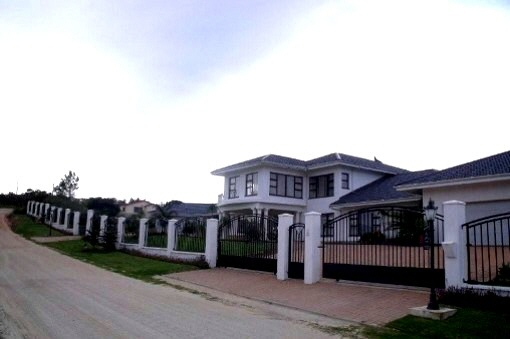 Anwesen mit großer Grundstücksfläche in Great Brak River