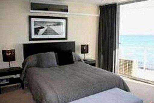 Wohnung Kapstadt: Modernes Penthaus in Strand in Südafrika kaufen