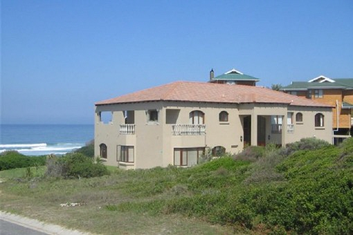Toskanische Villa mit direktem Zugang zum Meer in Outeniquastrand