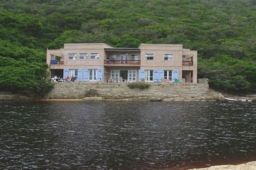 Haus inmitten der Wildnis von Südafrika in Kaaimans River