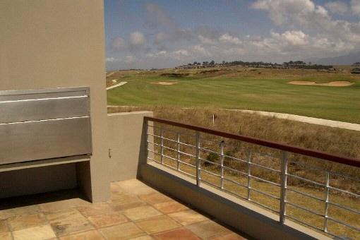 Ausblick von einem der Balkone zum Golfplatz