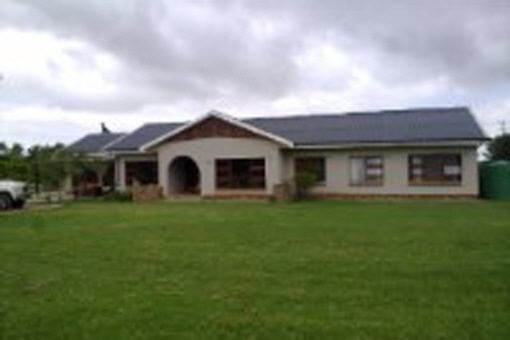 Sheep farm in the area of George, with 2 separate houses, 4 garages and 2 store rooms