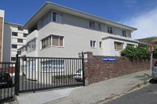 Nice apartment of approximately 93 m², near the beaches of Camps Bay and Clifton