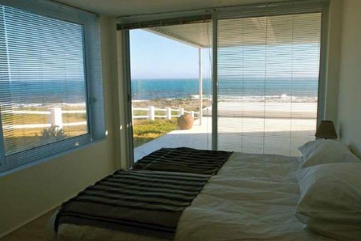 Schlafzimmer mit atemberaubendem Meerblick